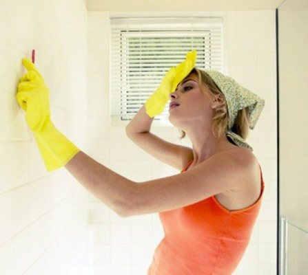 Как удалить грибок со стены
